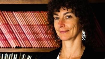 Professor Sandra Fredman - (Afrique du Sud) Professeur des lois du Commonwealth britannique et des États-Unis, Université d'Oxford ; Directrice, Oxford Human Rights Hub ; Conseil de la Reine honoraire.