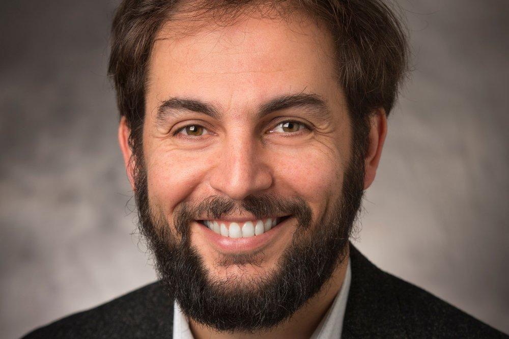 Roman Zinigrad - (Israel) candidato J.S.D., Yale Law School; Miembro visitante, Facultad de Ciencias de Derecho de Po.