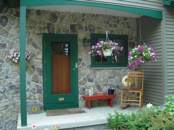 roguevalley_exterior_door5.JPG