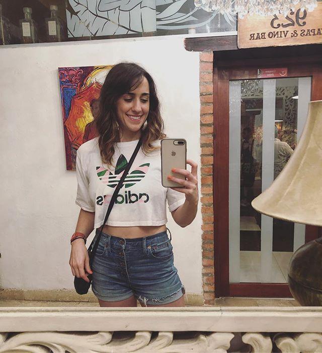 mirror selfie colombiano