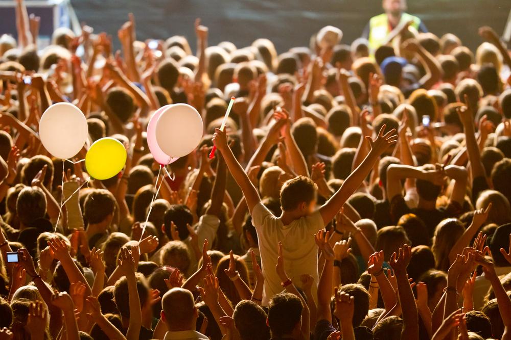 掲載前のキャンペーン - ソーシャルメディアでファンを集め、ユーザー像を明確Landing pageの作成、潜在的なユーザー情報収集