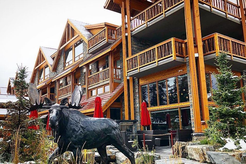 Moose Hotel & Suites - Home Away From Home