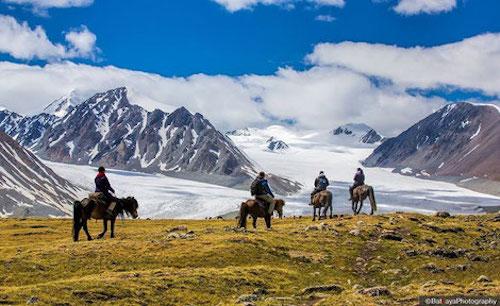 tavan bog glacier trek mongolia a2d luxury travel ideas.jpg