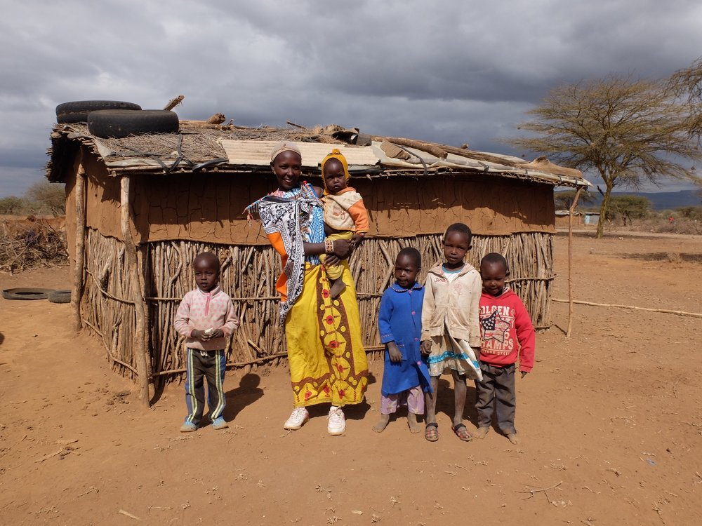 Maasai mamas - Helping at-risk children thrive by empowering their mothers with meaningful employment.