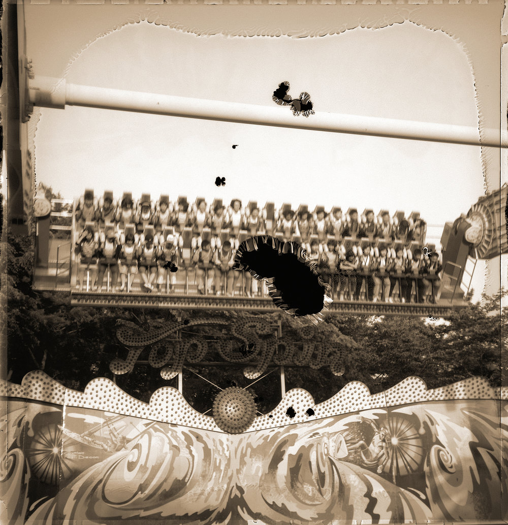Wonderland : wl 004   pigment print, framed  28 x 29cm, 2003