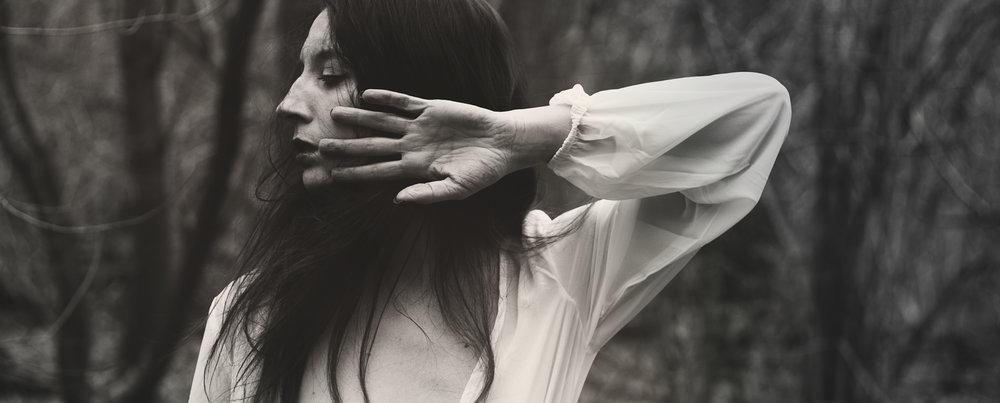 izzys-daughter-dark-music.jpg