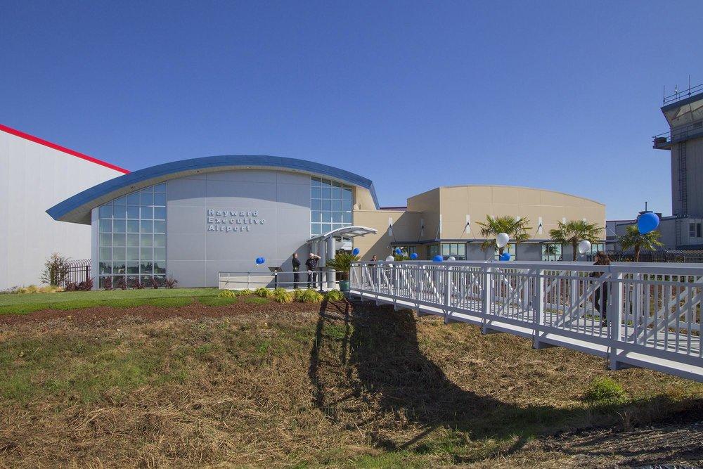 Haywood-Executive-Airport06.jpg