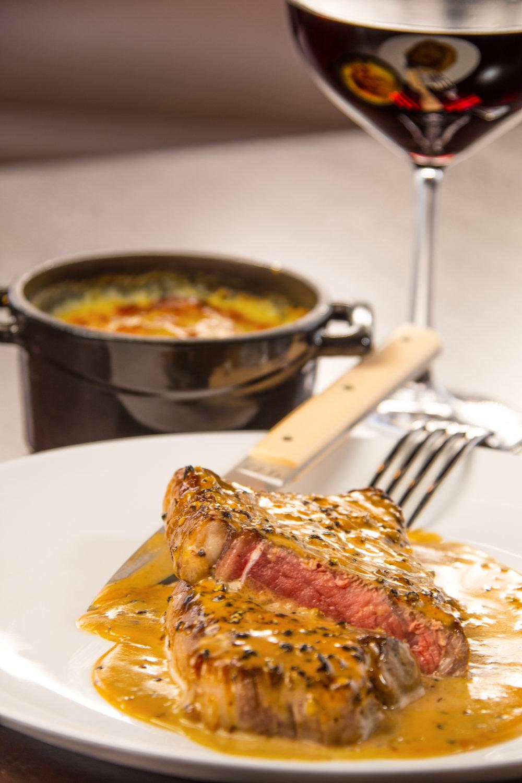 Steak au poivre, gratin dauphinois