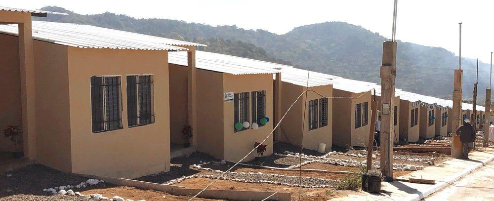 En el 2018, Habitat para la Humanidad construyó estas casas en Palín para los damnificados del volcán.