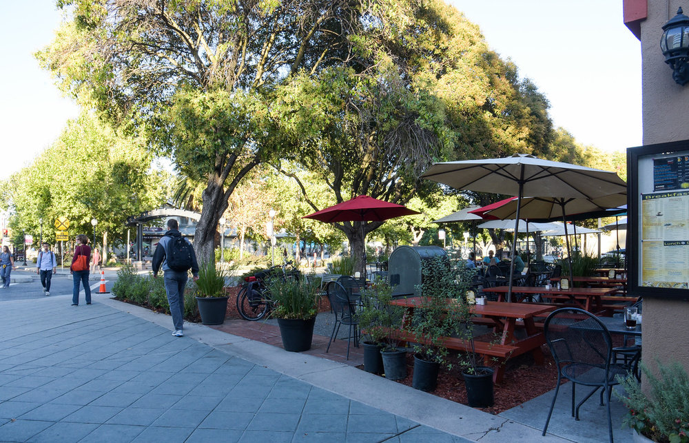 Mountain View Outdoor Seating.jpg