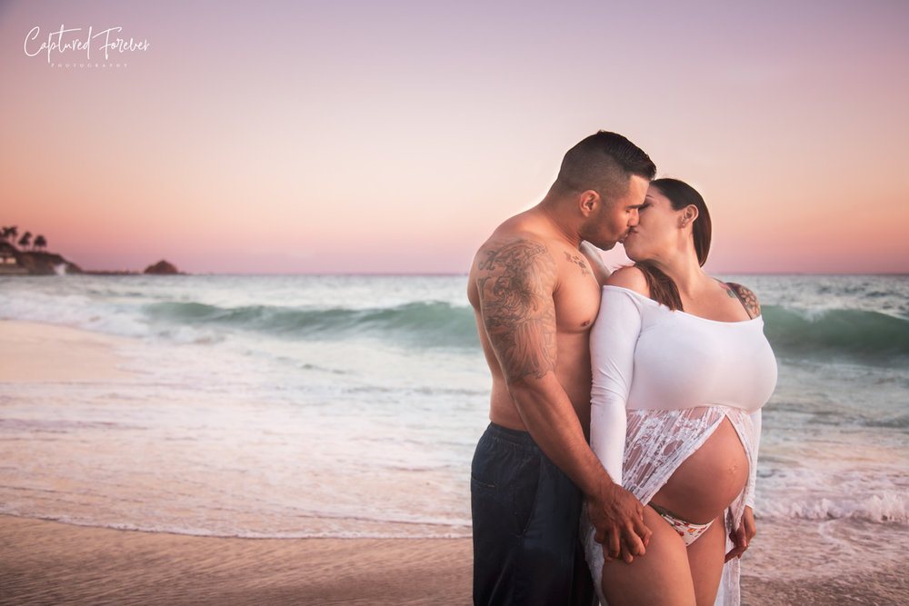 Ladera Ranch Maternity photographer. Victoria Beach Maternity photos. Laguna beach maternity photos