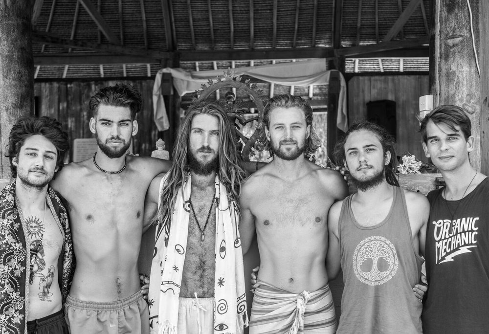Yin Brothers. From left to right. Aaron Petty, Stelios Mousaferiadis, Nik Robson, Simon Lee, Kalem Moore & Gus Wood in the Organic Mechanic top.