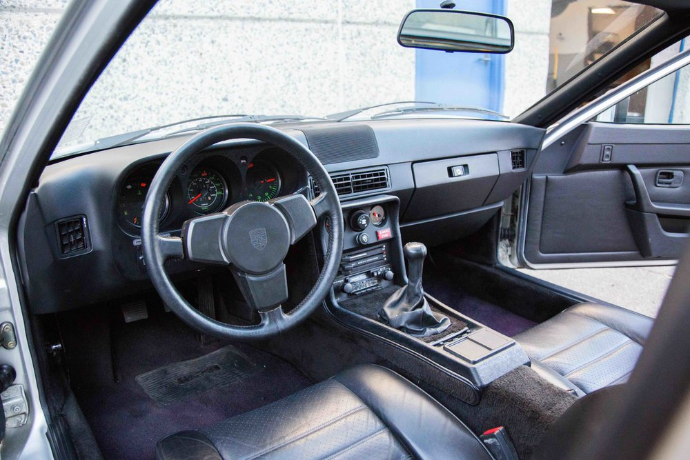 1980-924-Turbo-interior-view-makellos-classics.jpeg