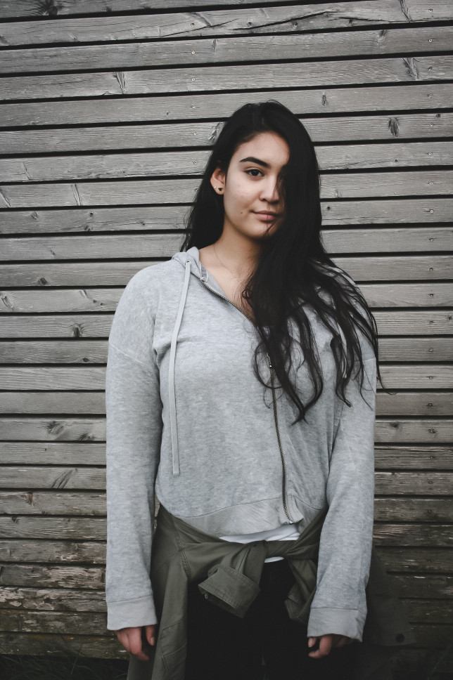 Casual Style Outfit with Ariane photographed by  www.herprettybravesoul.com  in Olfen, Germany. Dressed in a grey zip-up hoodie in front of a wooden wall, casual style, editorial, editorial magazine, photography, tumblr girl, tumblr aesthetics, Filipina, german-filipina, Filipina-persian