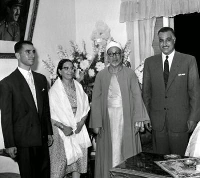 """La femme de Abderrahman Taj """"عبد الرحمن تاج"""", grand cheick d'al-Azhar dans les années 50"""