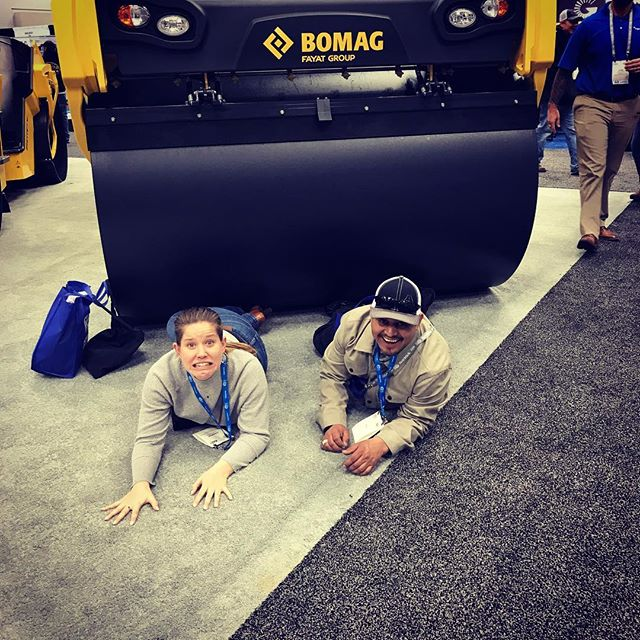 If you're not having fun, you're doing it wrong... #safetythird #bomag #asphaltpaving #asphaltplant #worldofasphalt