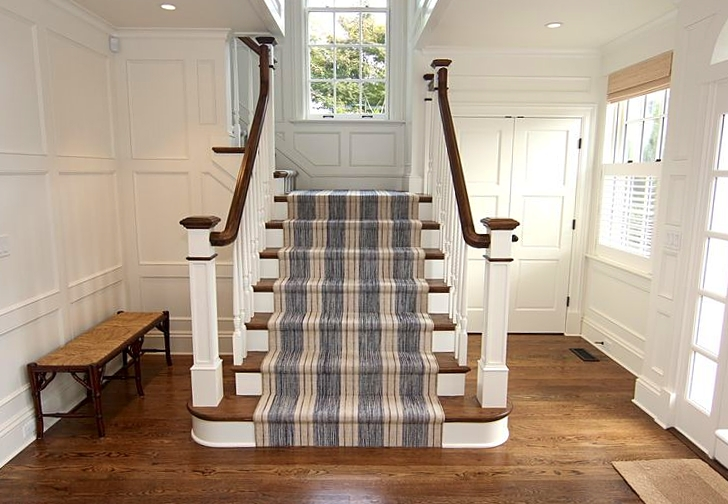 Colonial_Stairwell_Wood_Carpet.jpg