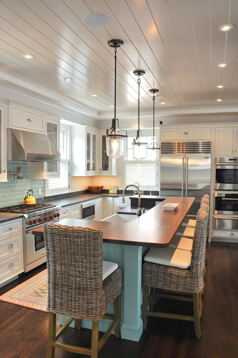 Modern_Turqoise_Teal_Kitchen_Island_Two_Toned_Cabinets.jpg