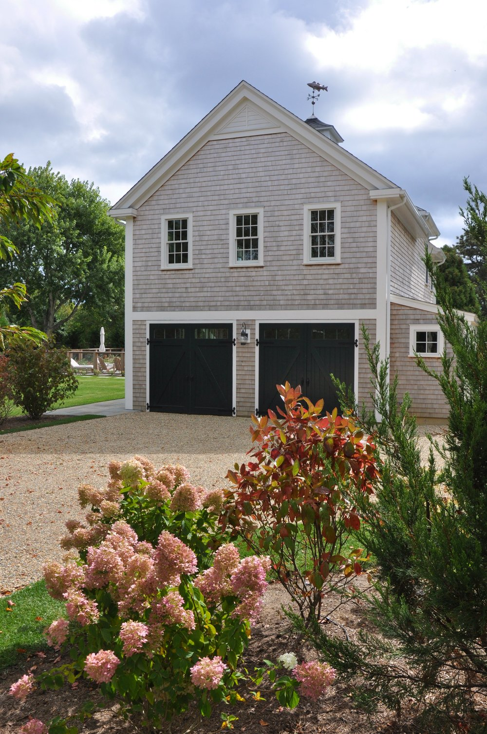 Modern_Farmhouse_Garage_Guesthouse.jpg
