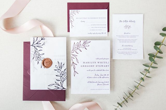 This suite has been paired with many different envelope colors from black to copper to burgundy.. It's amazing how the envelopes can really change the look and feel of your suite. What color would you pair with this suite? . And can I just say how amazing of a job @samanthashannonphotography in capturing my work?!