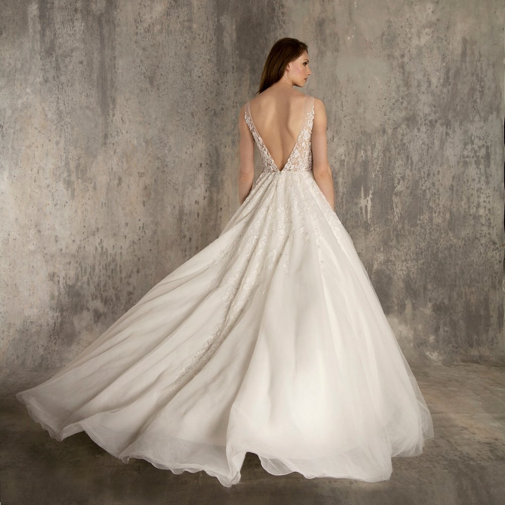 EF603 BACK ENAURA BRIDAL.jpg
