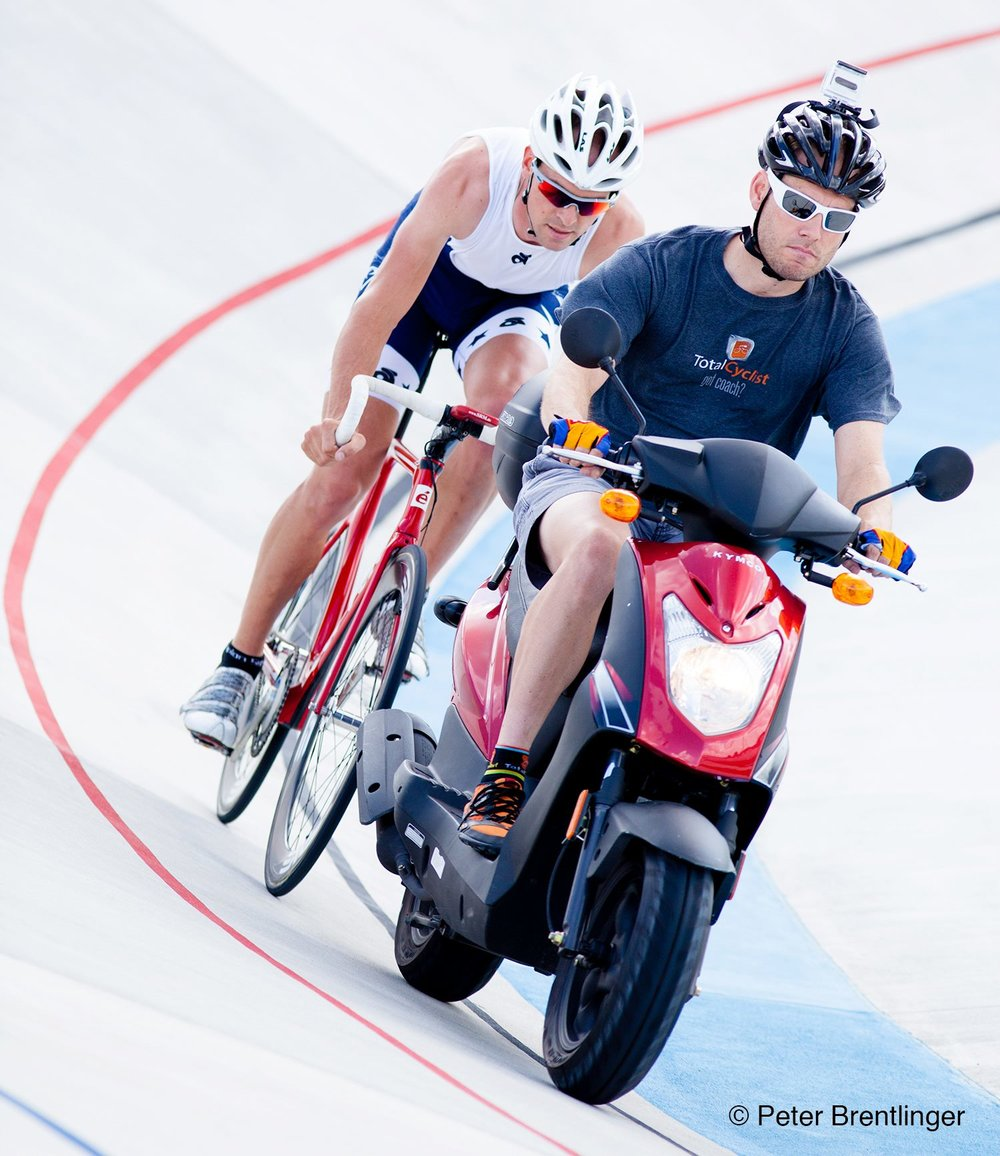 2 x Olympian Bobby Lea getting motorpaced