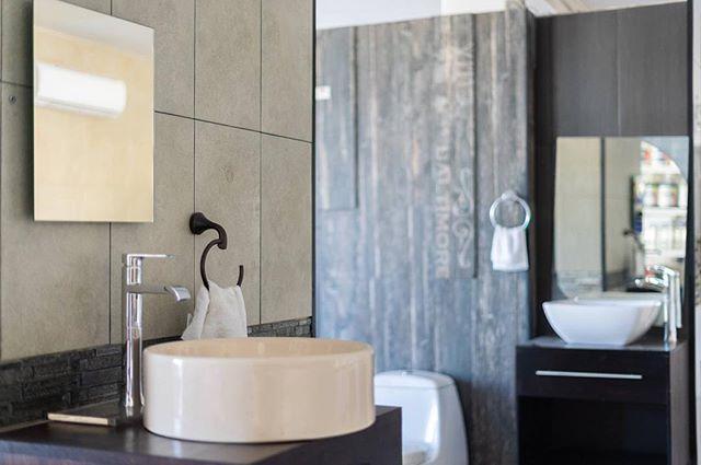 Encuentra la elegancia para tu baño con los mejores precios que tenemos en Propisan Deco. 🚽✨🙌 📩 Visita: www.propisan.mx ☎️ Llámanos: (624) 172 8808  #PropisanDeco #LosCabos