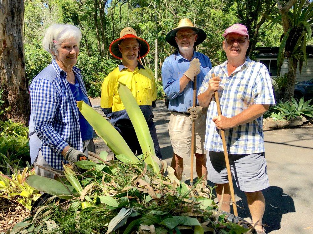 Lyn  garden volunteers.jpg