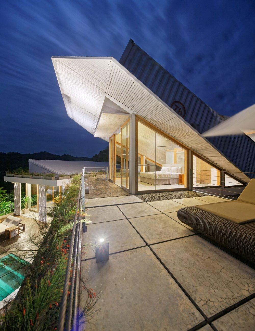 clay-house-budi-pradono-architects-architecture_dezeen_2364_col_14-1704x2211.jpg