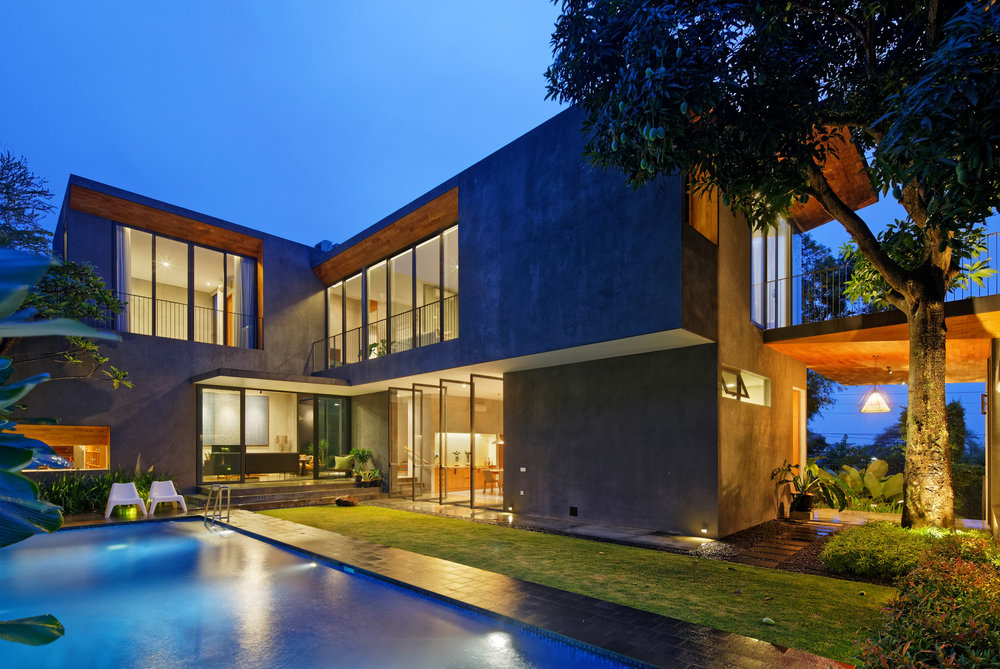 house-inside-outside-tamara-wibowo-architecture-residential-indonesia_dezeen_2364_col_5.jpg