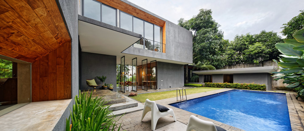house-inside-outside-tamara-wibowo-architecture-residential-indonesia_dezeen_2364_col_15.jpg