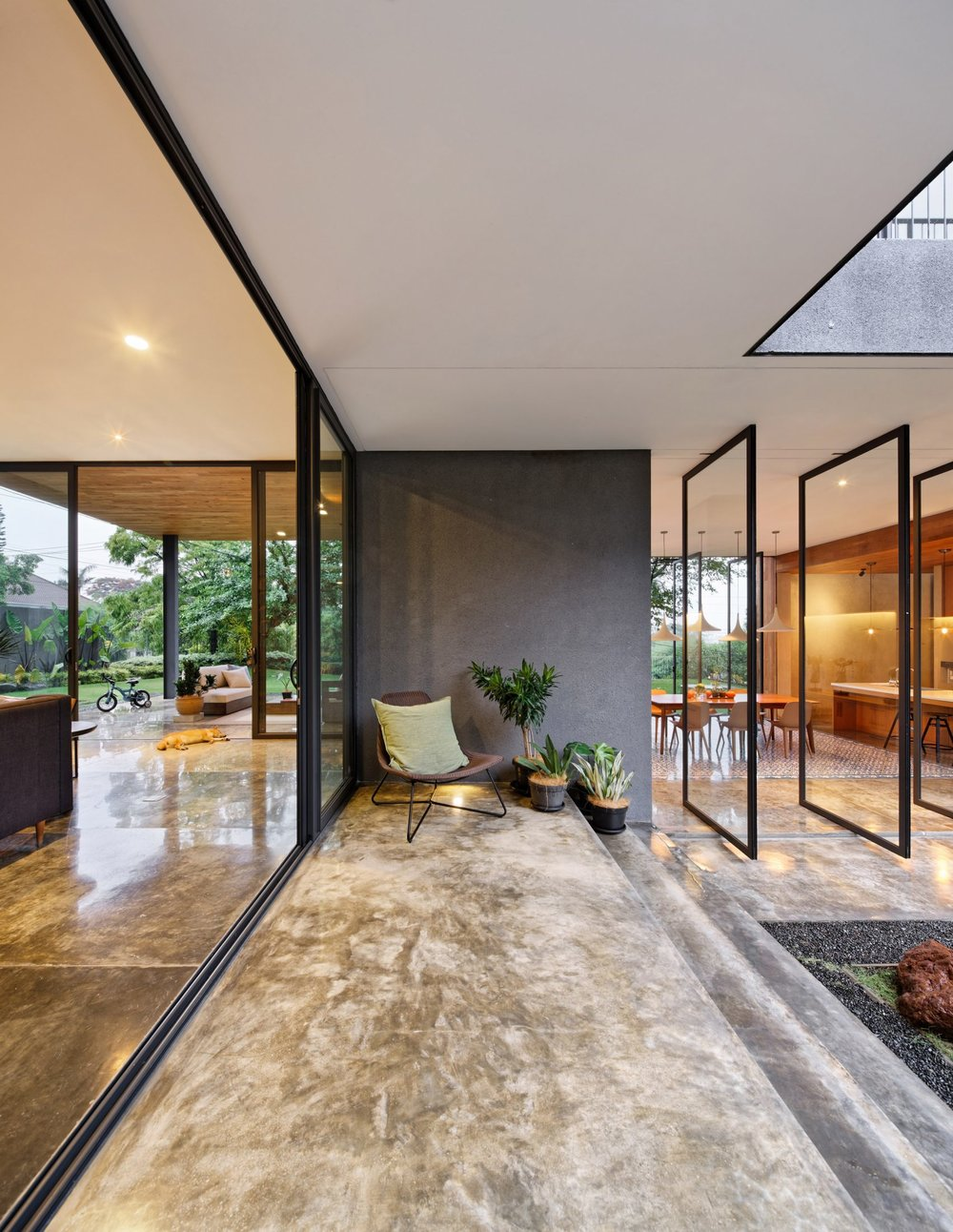 house-inside-outside-tamara-wibowo-architecture-residential-indonesia_dezeen_2364_col_3-1704x2202.jpg