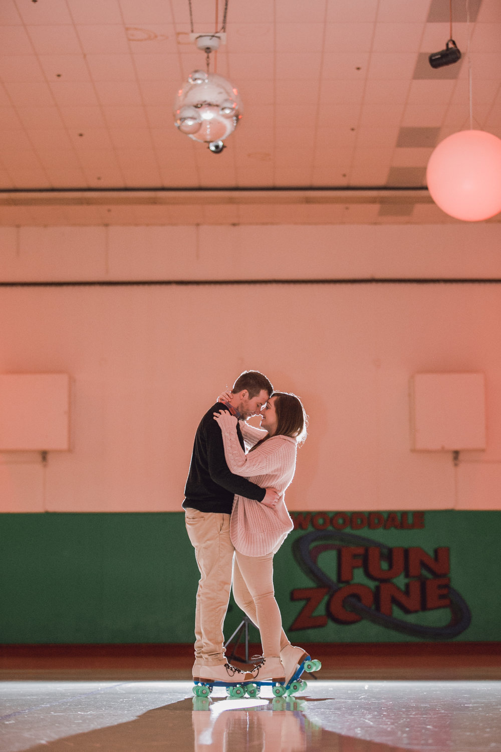 roller rink engagement session, wooddale fun zone engagement session, roller skate engagement session, minneapolis cafe lucrat engagment session, cafe lucrat engagement session, minneapolis minnesota engagement session-www.rachelsmak.com19.jpg