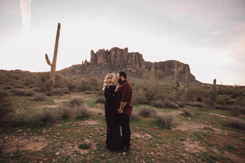 superstition mountain, superstition mountain engagement session, phoenix engagement session, arizona engagement photographer-1.jpg