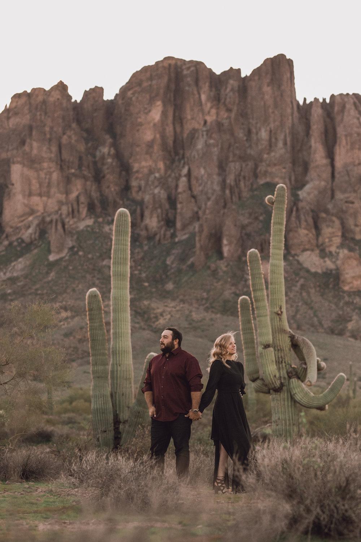 superstition mountain, superstition mountain engagement session, phoenix engagement session, arizona engagement photographer-5.jpg
