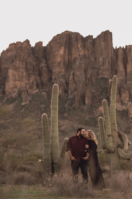 superstition mountain, superstition mountain engagement session, phoenix engagement session, arizona engagement photographer-4.jpg