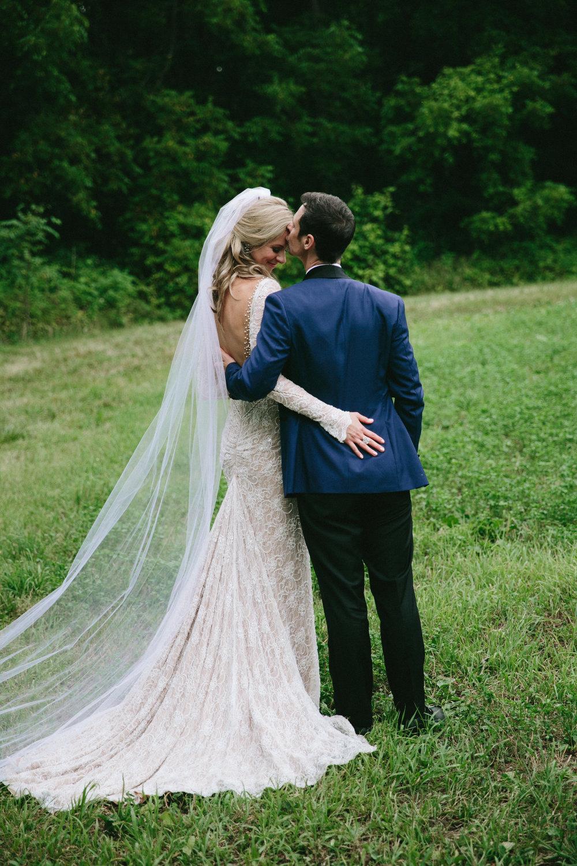 meghanrobert-woodnote-wedding-portraits-21-(ZF-3401-00277-1-085).jpg