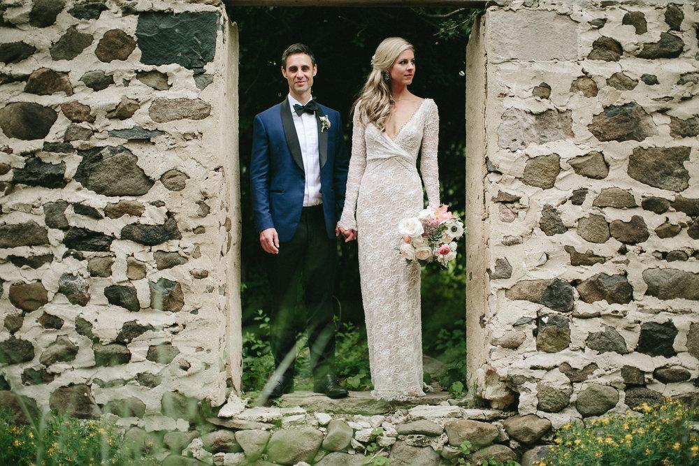 meghanrobert-woodnote-wedding-portraits-113-(ZF-3401-00277-1-097).jpg