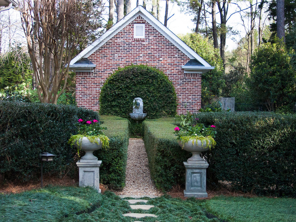 Johnston-garden-boxwood-hedge-formal-garden (1 of 1).jpg
