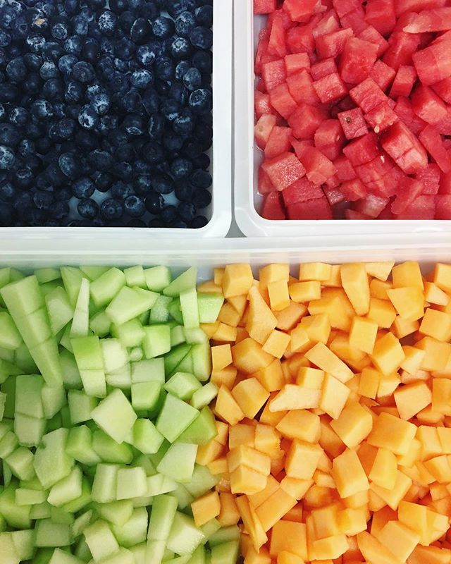 Fresh & fruity start to Fri-YAY!🍈🍉
