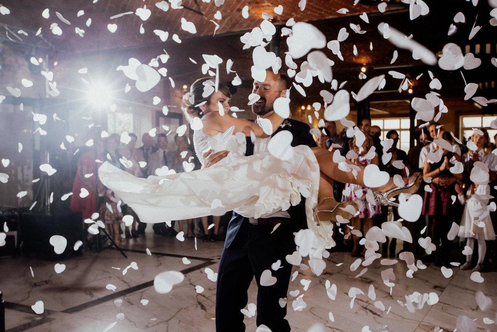 Niesamowity pierwszy taniec