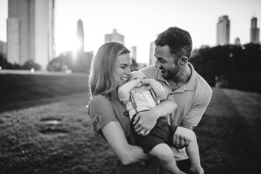 Chicago family photos on the Lake Michigan,