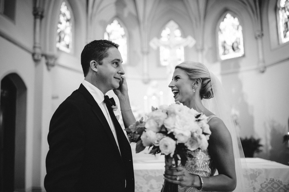 Timeless wedding st louis church black and white