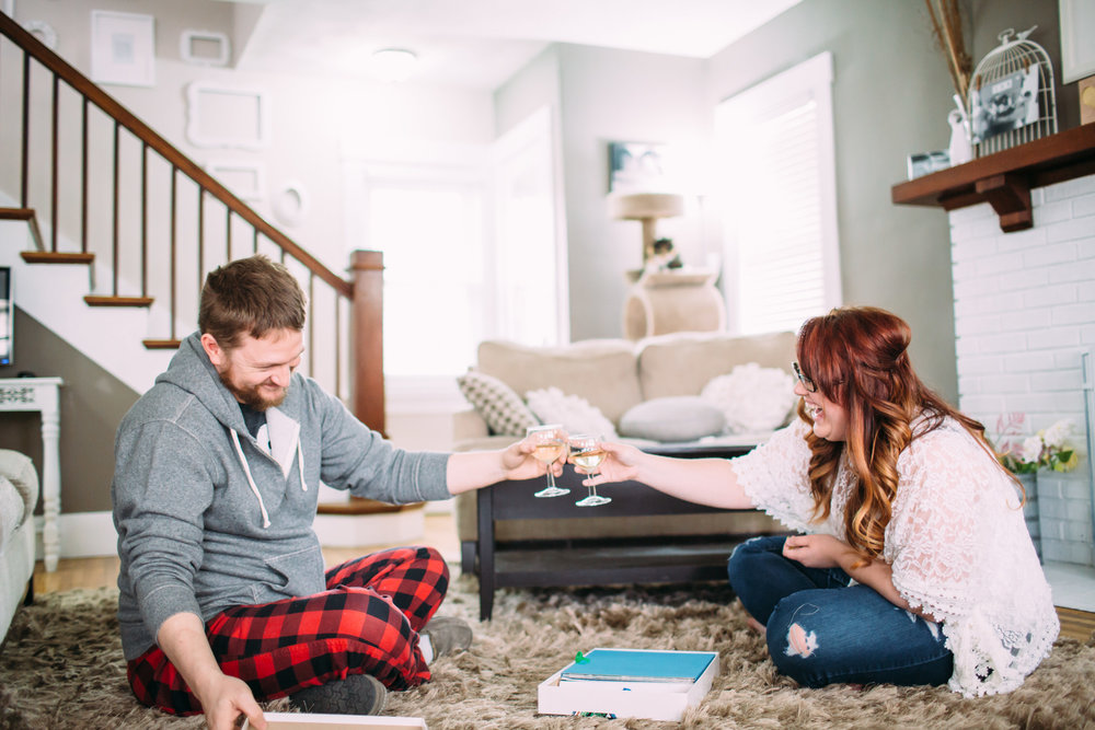 At home lifestyle photos, at home engagement, intimate engagement photos,