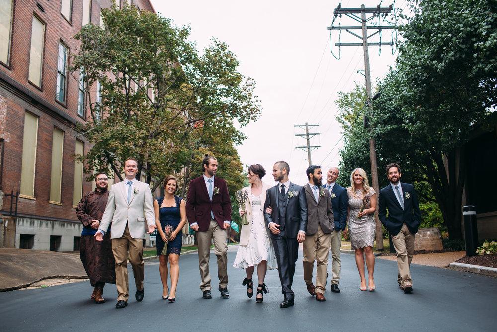 Wedding party photos, group photos at a wedding, relaxed wedding photos, Seattle Wedding Photographer, alternative wedding