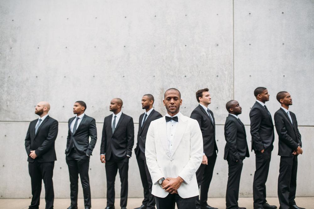 Wedding party photos, group photos at a wedding, groom and groomsmen, relaxed wedding photos, St Louis Wedding Photographer