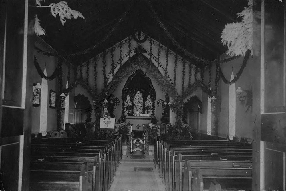 1890-Interior-of-Holy-Cross-Church-chapel-in-Dundas-decorated-for-Christmas-2.jpg