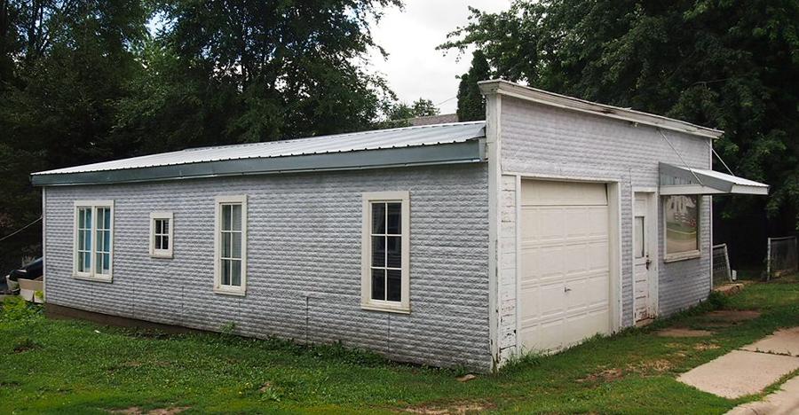 Pietenpol garage in Cherry Grove