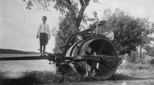 farmmachine_1911_Maud-Hill-Schroll-298-.jpeg
