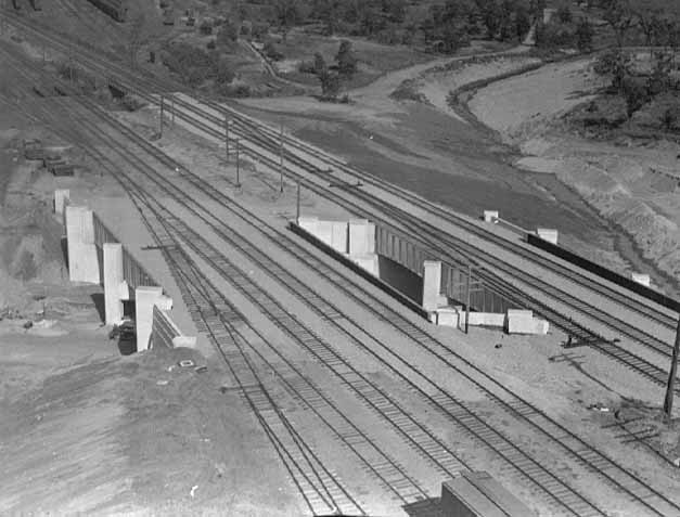 Railroad-bridges081937_MNHS-HE3.81-p127.jpeg